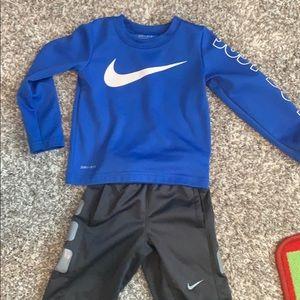 Boys Nike 2T set